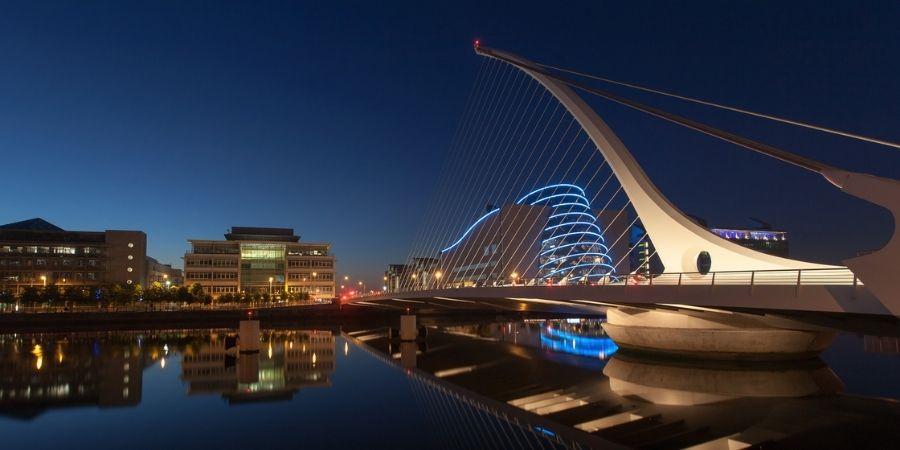 Imagen Nocturna de Dublín la Capital de Irlanda