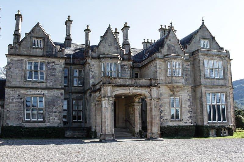 castillo abadia en irlanda