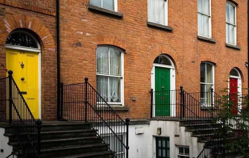 puertas de edificios en irlanda para estudiar