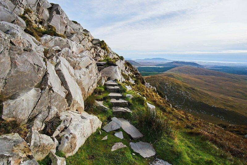 paisajes de galway en irlanda, montañas