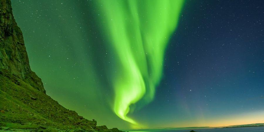 Aurora Polar vista desde la Orilla del Mar