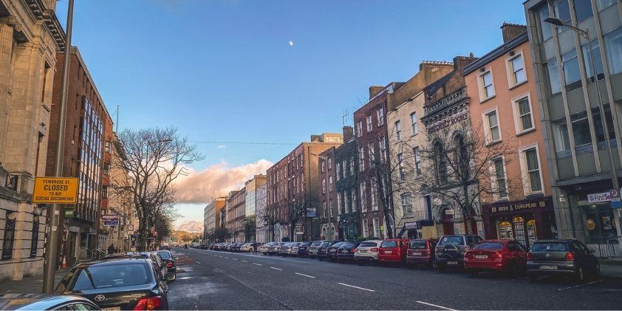 Imagen de una calle en Cork, Irlanda