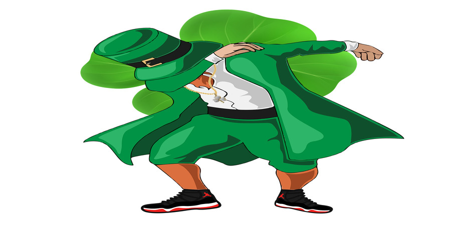 el duende camina entre los bosques de irlanda en busca de su oro