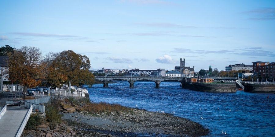 El Río Shannon en Limerick