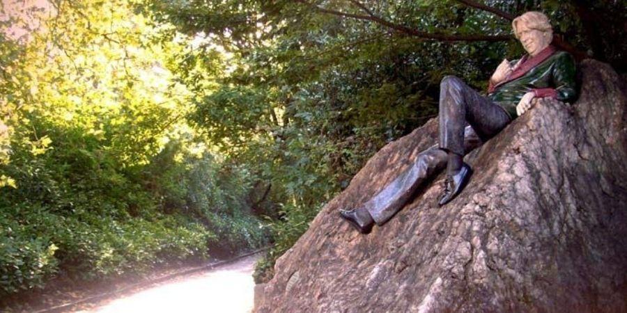 estatua de oscar wilde en dublin