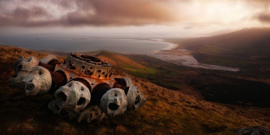 En Irlanda se ve parte de un motor de avión británico tras su caída en Irlanda en la segunda guerra mundial