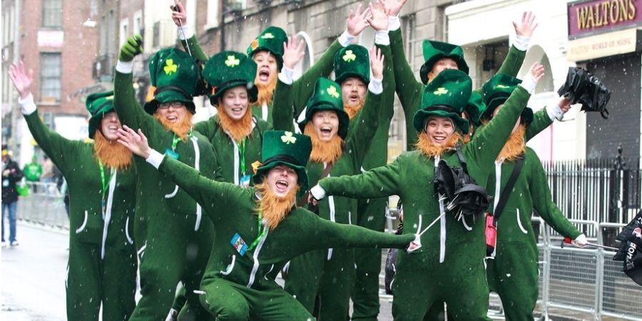 Celebracion en las calles de irlanda