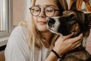 El cariño de los perros siempre estuvo presente en las tribus celtas.