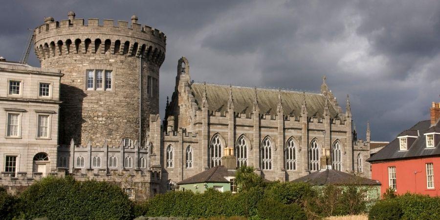 Vista del Castillo de Dublín en la capital Irlanda