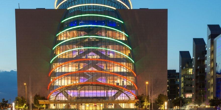 Vista del icónico Centro de Convenciones de Dublín