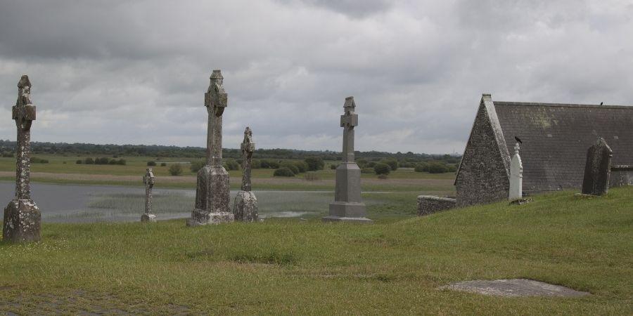 Cementerio con Cruces Celtas