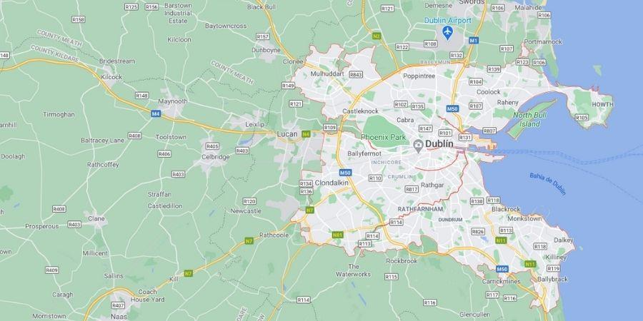 Mapa mostrando a Dublín con sus principales vías de acceso