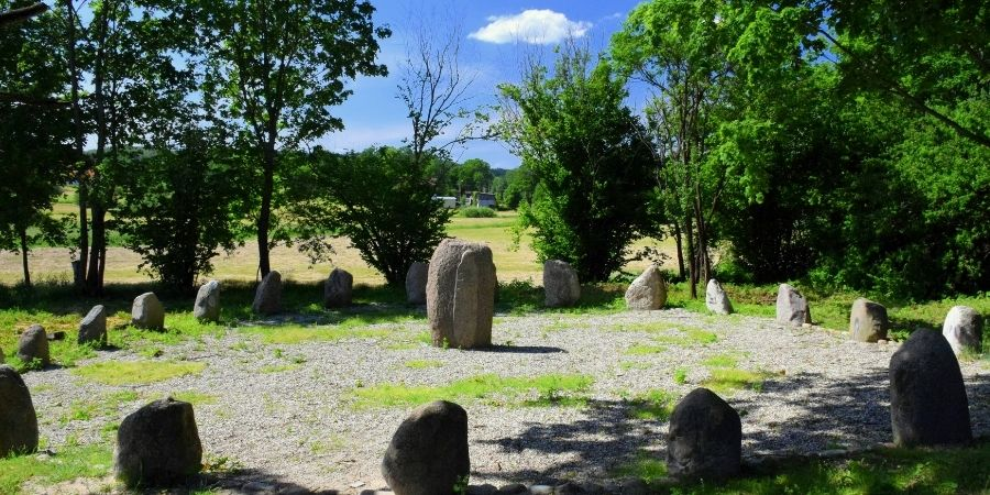 Piedras circularmente dispuestas para algún ritual Céltico