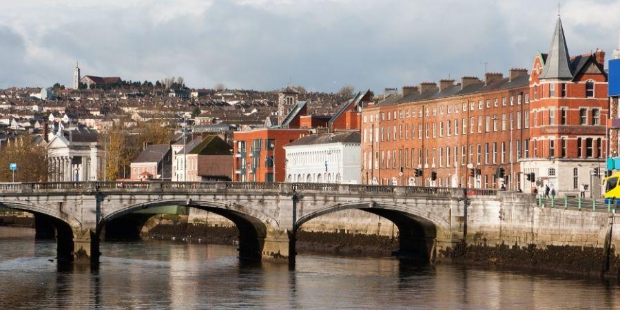 Irlanda del norte y puente turístico
