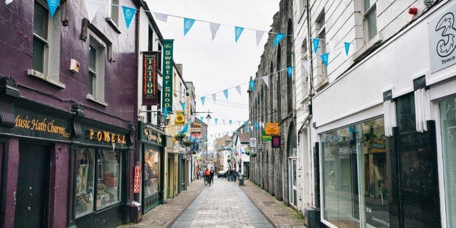 Shop Stree, Irlanda