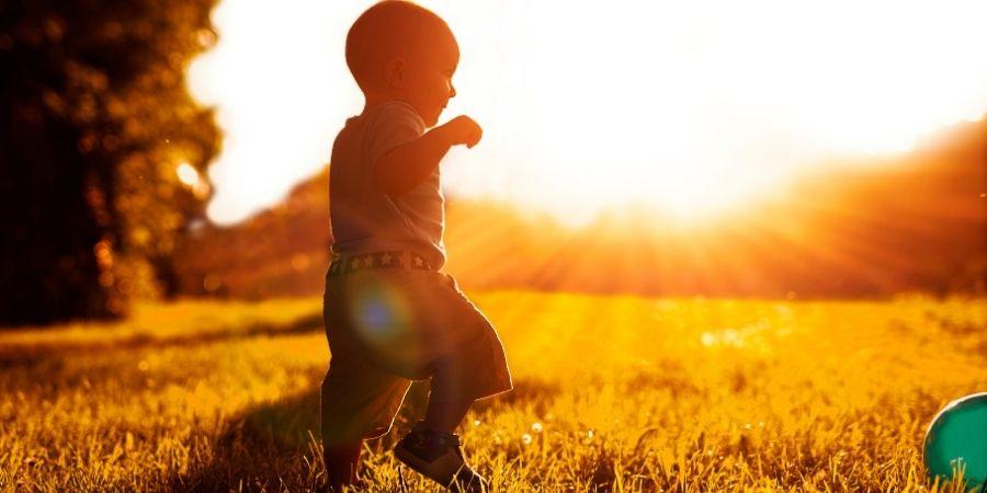 Otorgarle un nombre al niño según las buenas aptitudes de los dioses es muy usado.