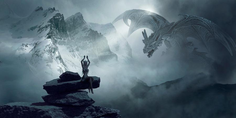 segun la magia celta, el dragon es un animal mitico y poderoso capaz de otrogar fuerzas a todo aquel que invoque su espíritu y lo alabe