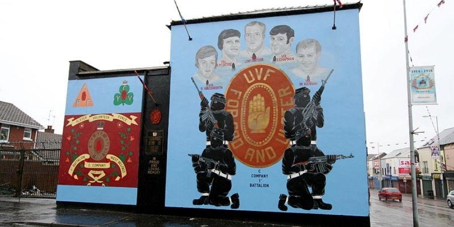Mural que refleja lo acontecido en Irlanda del Norte.