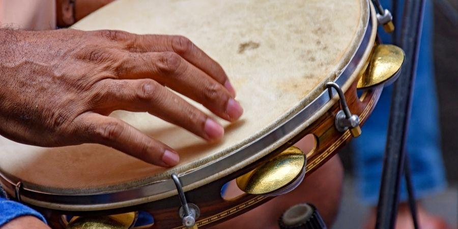 En las orquesta se suele implementar este instrumento musical.