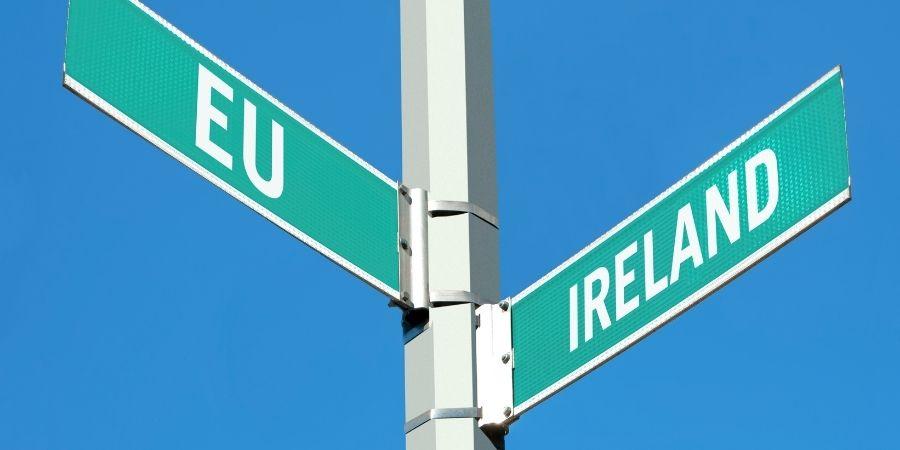 Irlanda del norte sigue junto a los Reinos Unidos mientras que los del sur no.