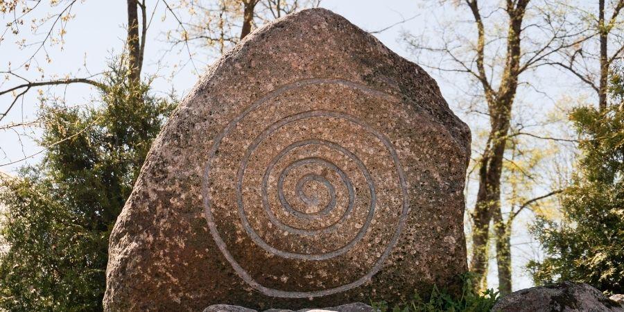 La espiral simple representa el ciclo de la vida para los celtas